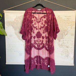 🐻 Dizzy Lizzy maroon sheer lace duster kimono